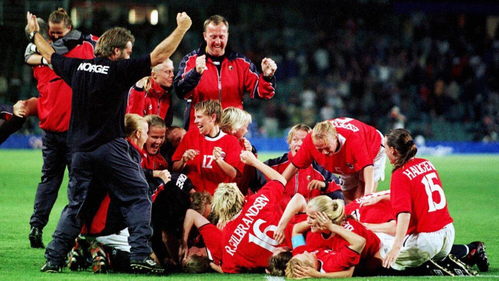 Dagny Mellgren, do banco ao gol de ouro da Noruega em Sydney-2000