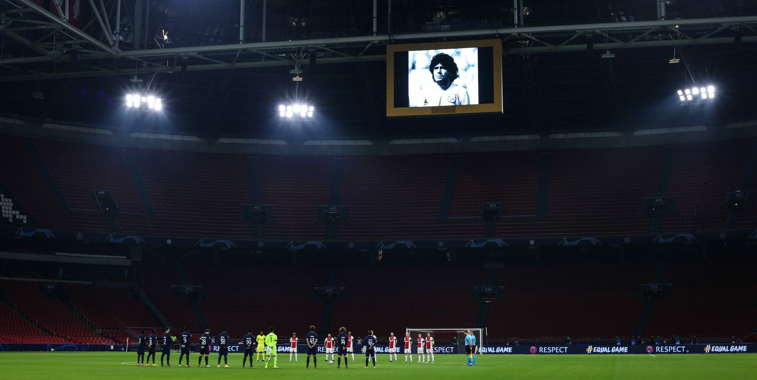 O Ajax fez uma linda homenagem a Maradona na Champions, ao tocar a música que embalou o aquecimento mais mágico do craque   Trivela